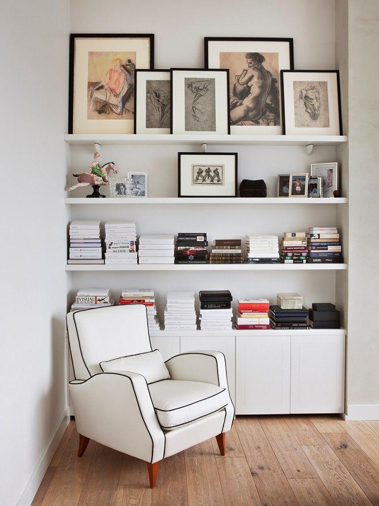 Prateleira para livros e quadros