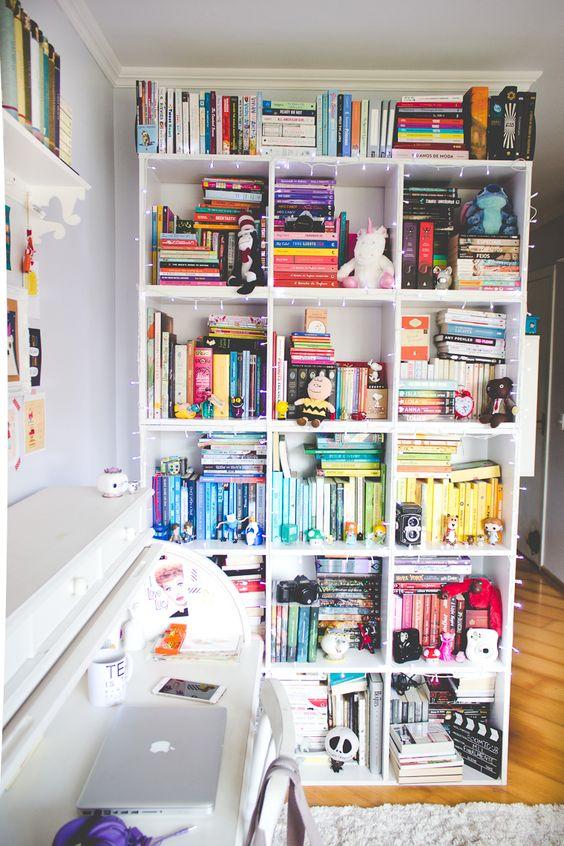 Prateleira para livros quarto quadrada