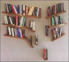 Prateleira para livros quarto surrealista