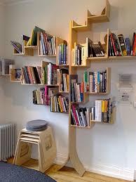 Prateleiras para livros criativas como árvore