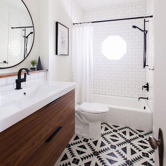 Revestimento para banheiro branco com preto