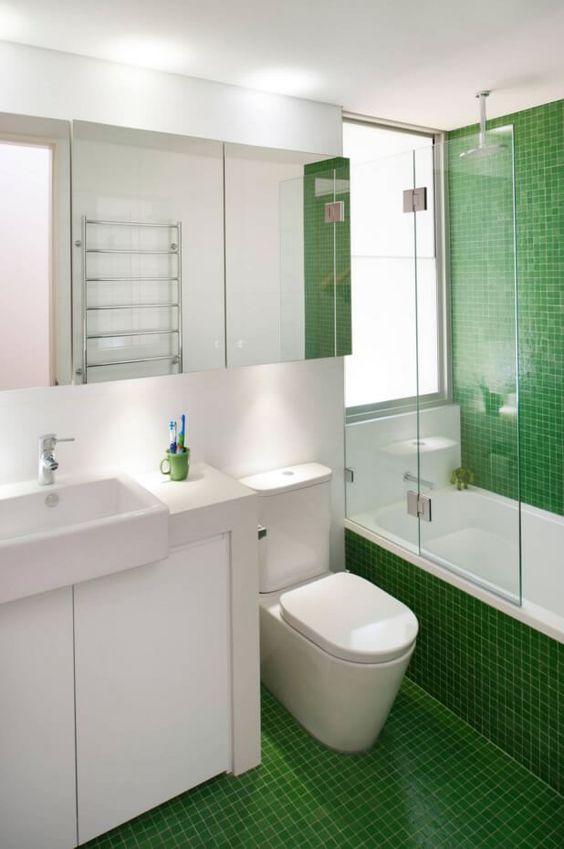 Revestimento para banheiro pequeno verde