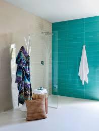 Revestimento para banheiro simples e azul claro