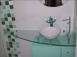 Revestimento para banheiro simples em tons de verde