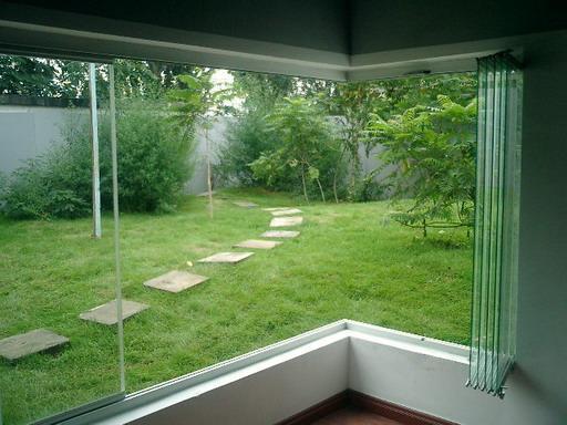 Varanda de vidro primeiro andar