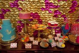decoração de festa indiana muitas cores
