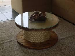Artesanato em madeira de demolição e mesa de centro