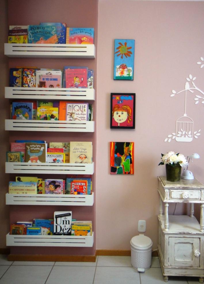 prateleira para livros quarto infantil com caixas