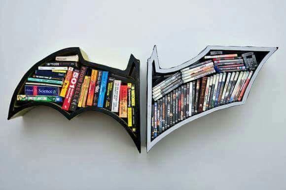 prateleira para livros batman