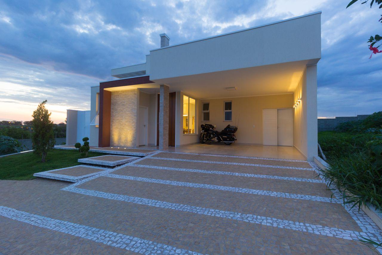Casas modernas com garagem