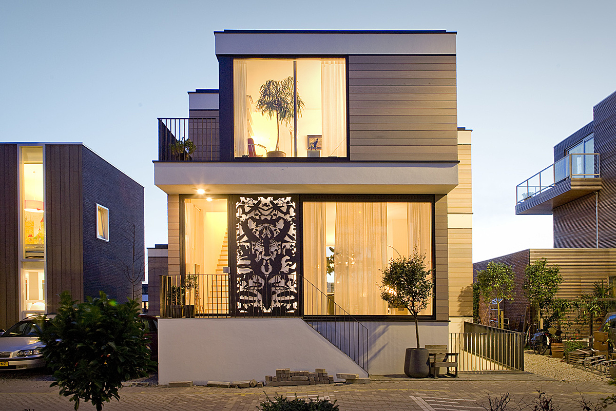 Casas modernas de dois pisos