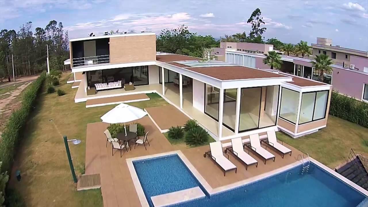 Casas modernas de fazenda