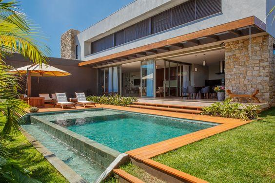 Casas modernas veja mais de 100 modelos projetos e - Condominio con piscina milano ...
