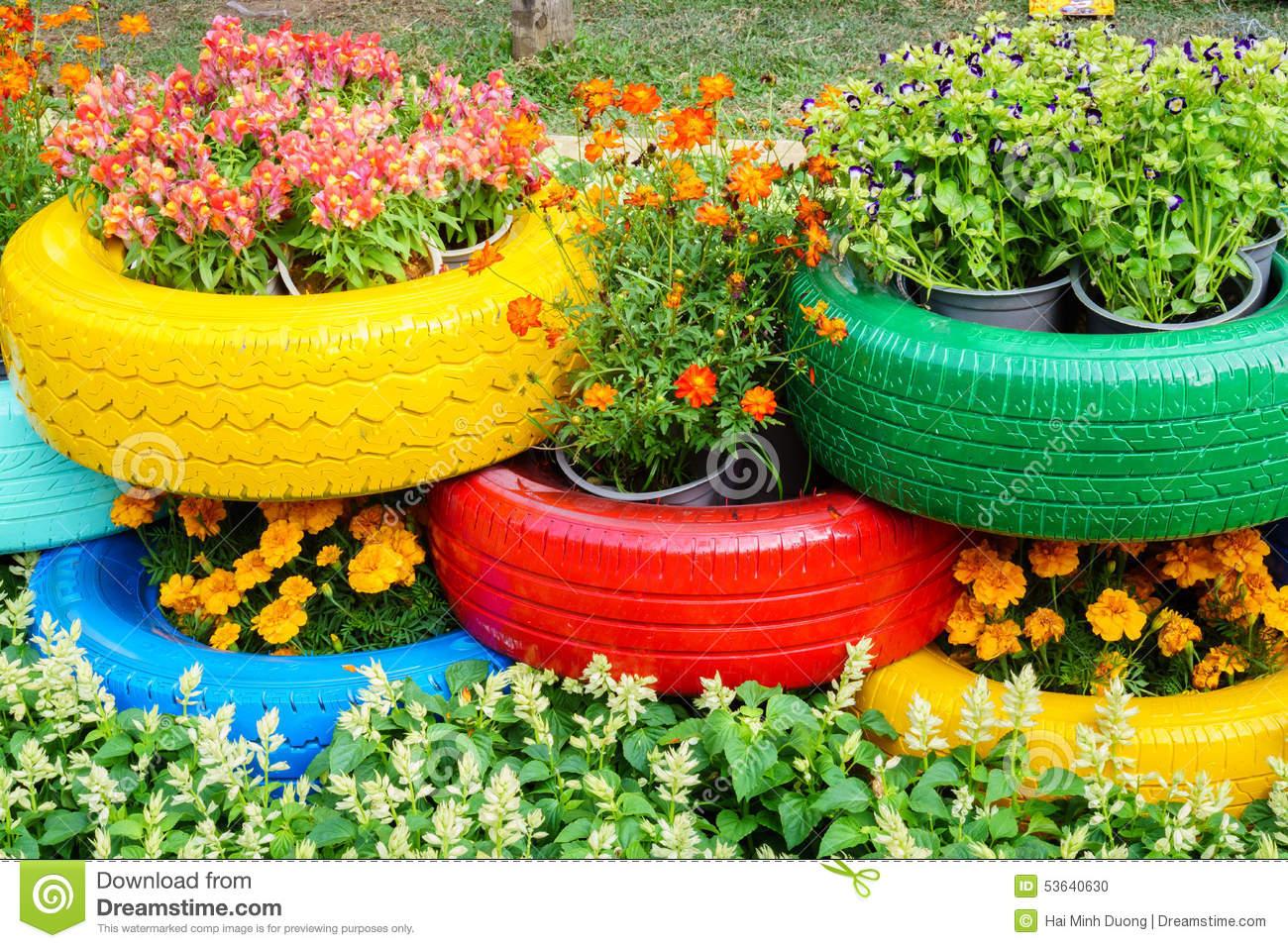 Цветы из покрышек