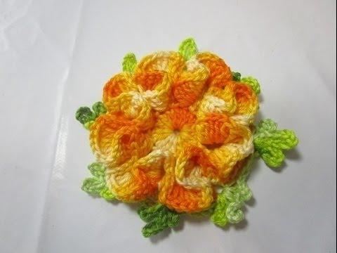 Flores de crochê amarela