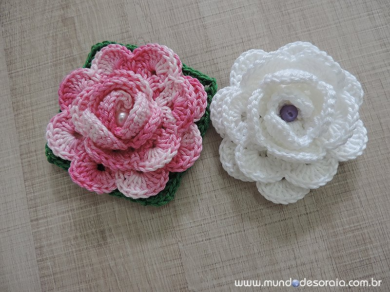 Flores de crochê enroladaa