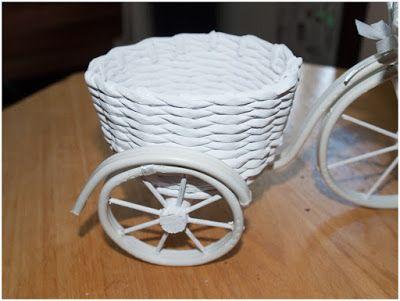 bicicletinhas branca feita em joranl