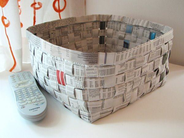 jornal velho transformado em bandeija
