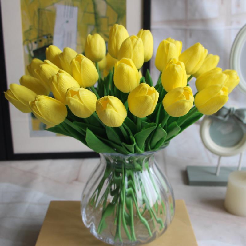 Arranjos de mesa amareloo