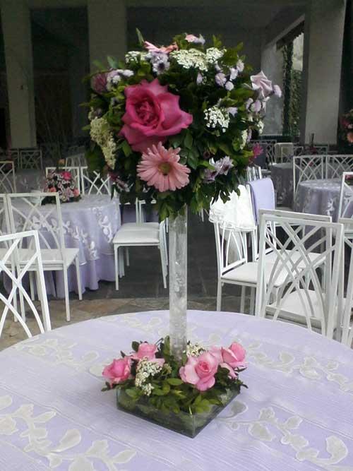 Arranjos de mesa com flores