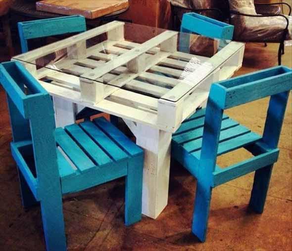 Artesanato em madeira de paletes mesa