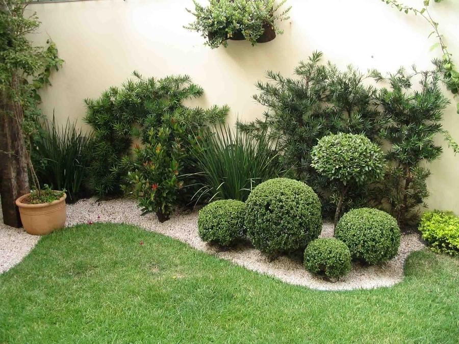 Jardins pequenos com grama