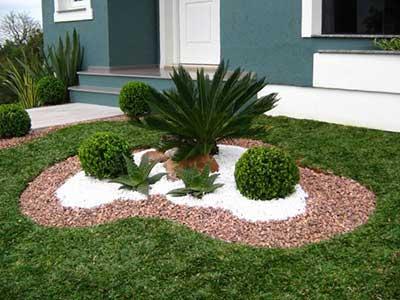 Jardins pequenos com pedras