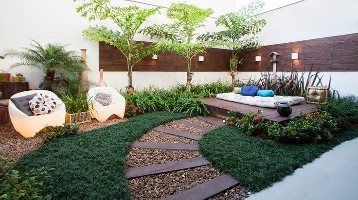 Jardins pequenos e modernos