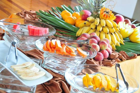 Mesa de frutas cafe da manhã