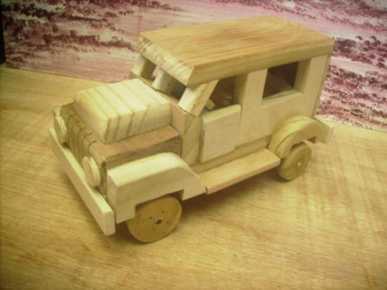artesanato em madeira de pinho carrinho