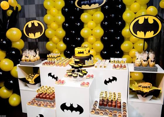 Decoração com balões batman
