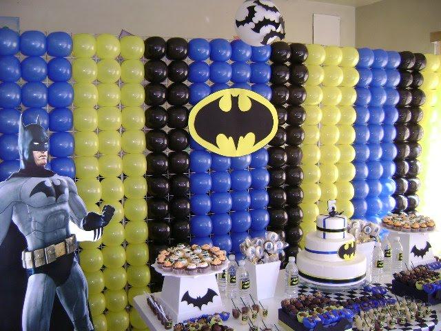 Decoração com balões batmann