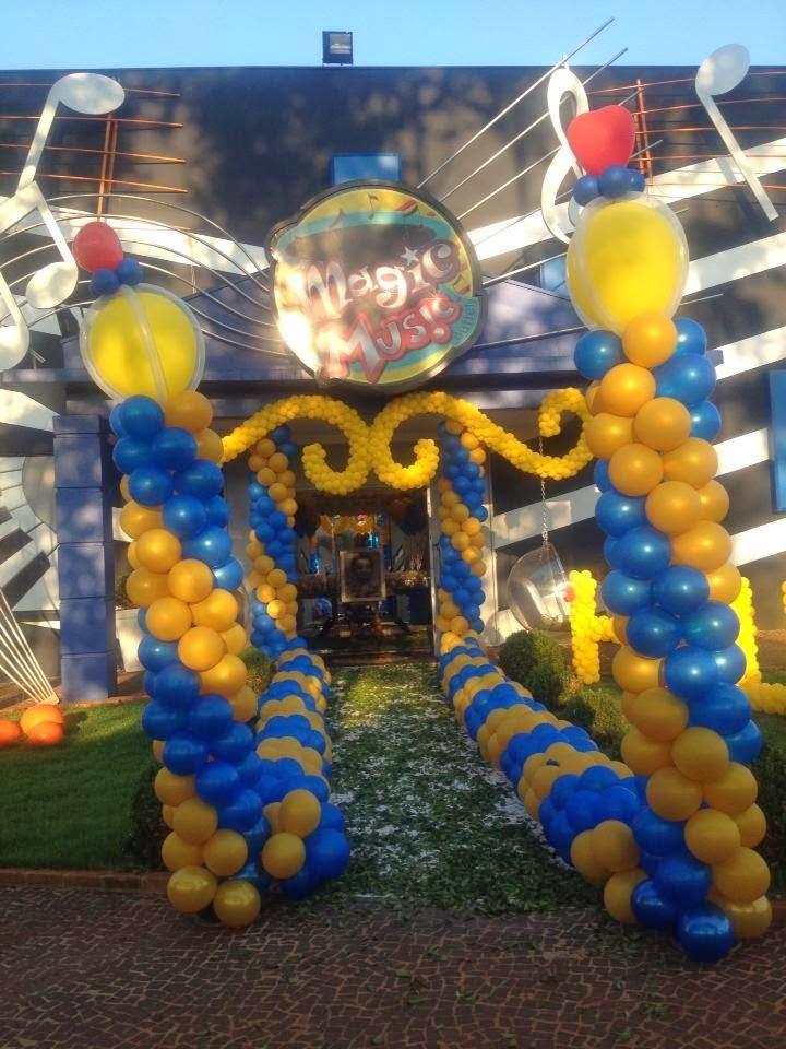 Decoração com balões bela e a fera