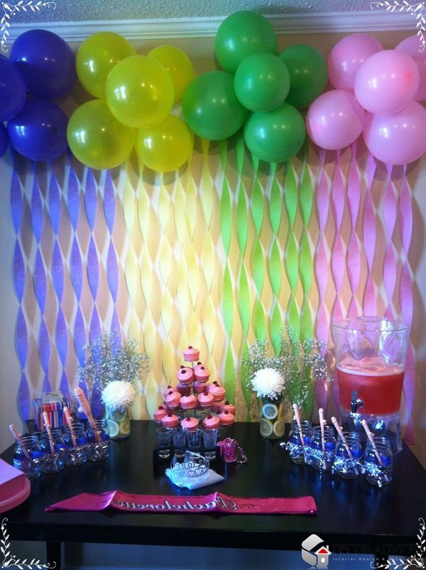 Decoração com balões e crepomm