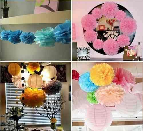 Decoração com balões e flores de papell