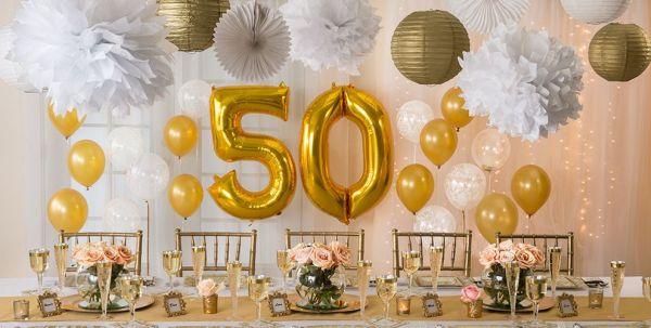 decoração com balões bodas de ouro