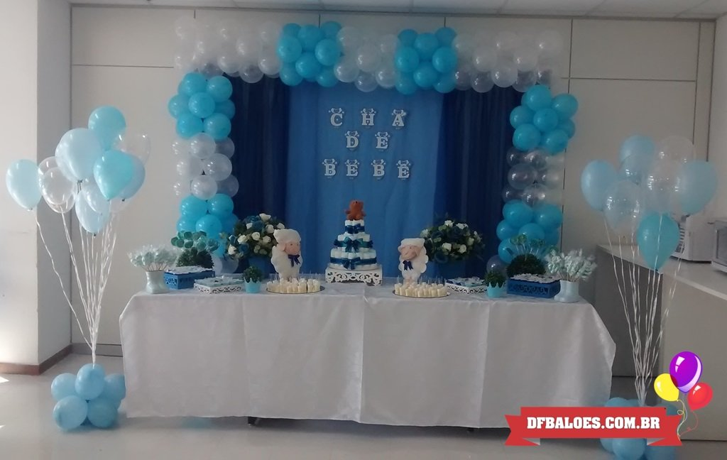 decoração com balões cha de bebe azul