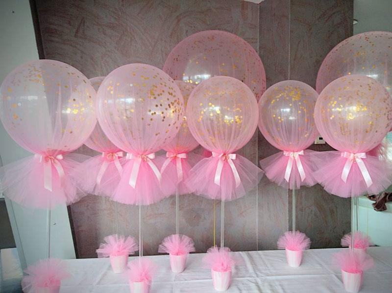decoração com balões e tule