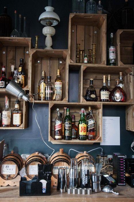 Bar de parede veja mais de 60 modelos para voc fazer for Mobiliario rustico para bares