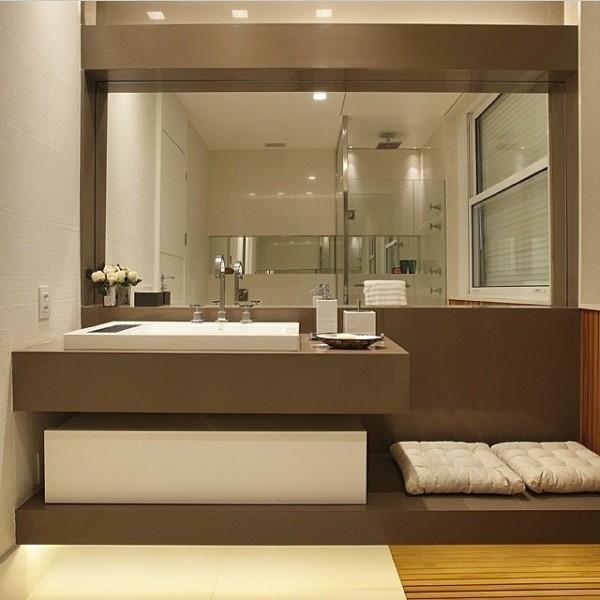 Banheiros modernos veja 75 incr veis modelos com dicas - Piso pequeno moderno ...