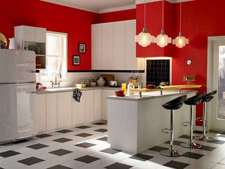 Piso com partes preta e partes brancas na cozinha