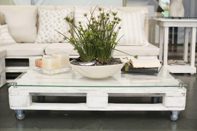 rack ou mesa de centro em pallets
