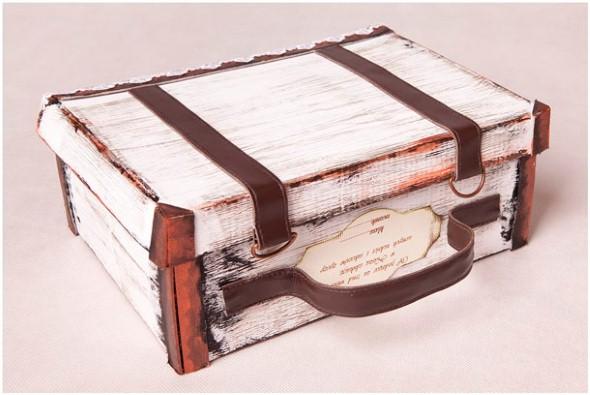 Simples caixa de sapato decorada artesanalmente