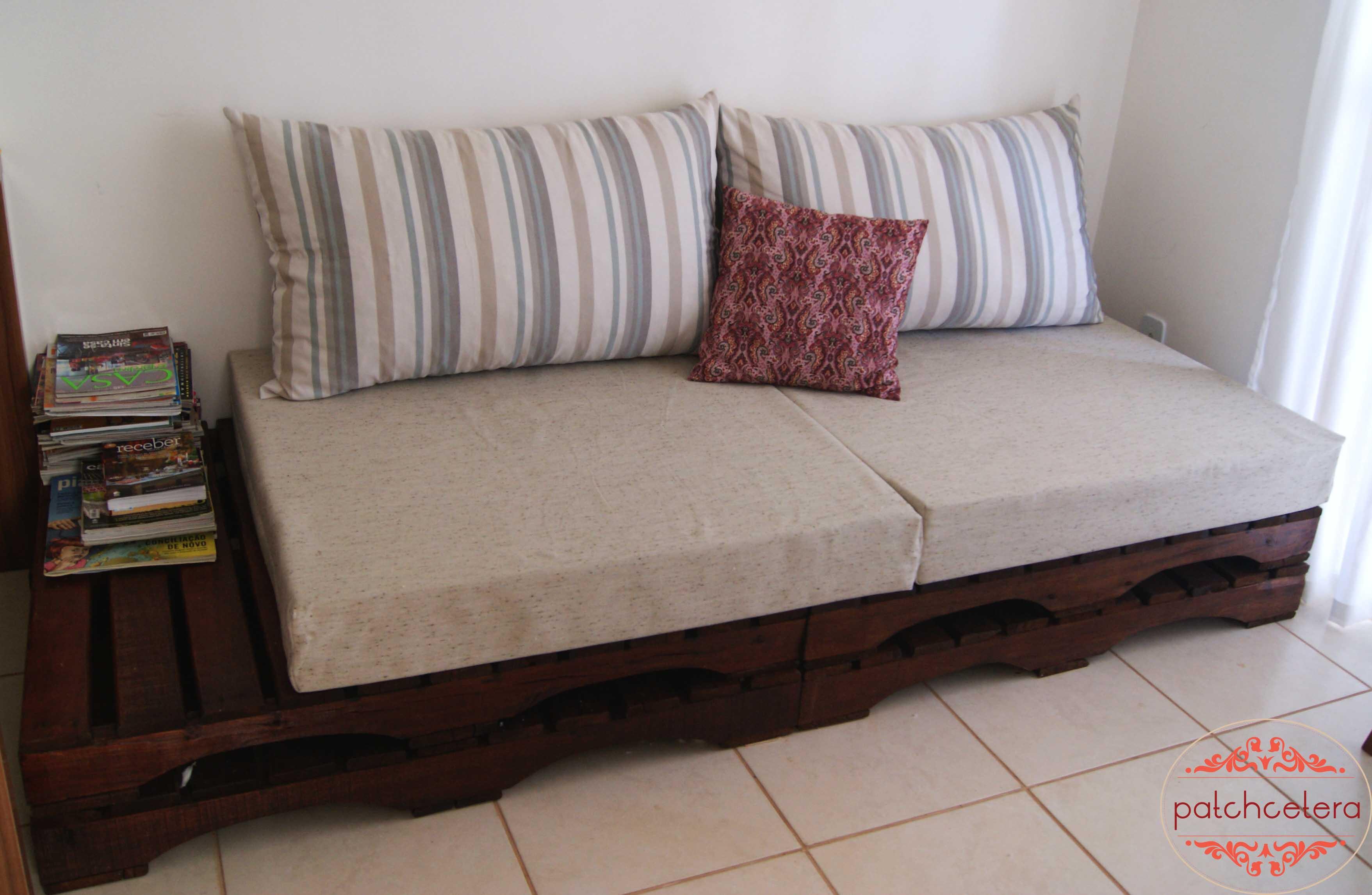 sofa de pallet envernizado