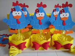 Palito da galinha pintadinha como decoração de doces para festa