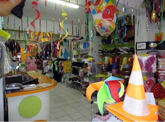 Decoraç u00e3o de Carnaval Veja 70 Imagens E se Inspire -> Decoração De Loja Carnaval