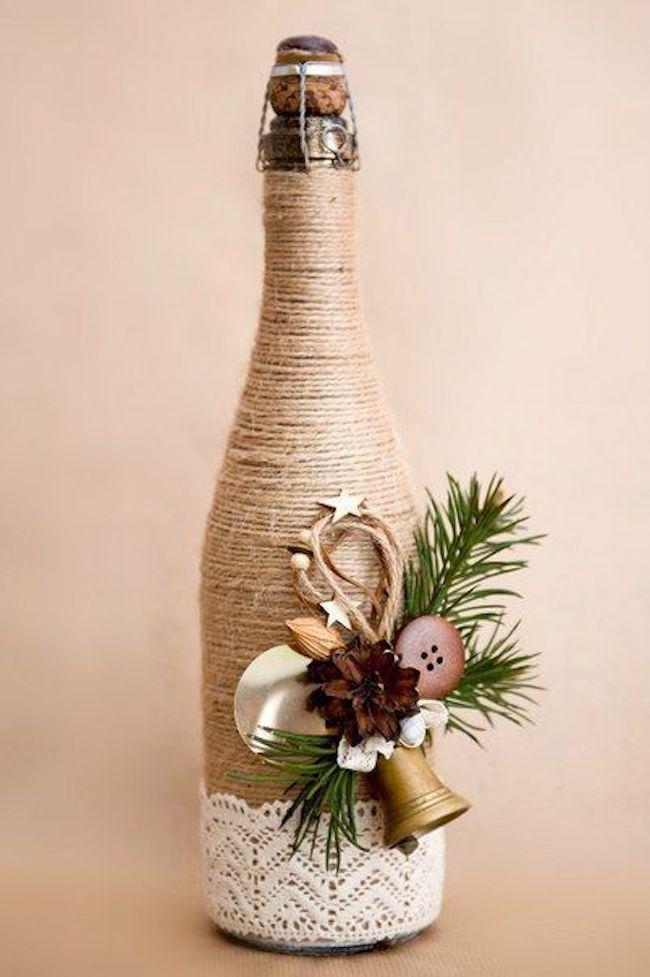 Fios enrolados em uma garrafa para pura decoração
