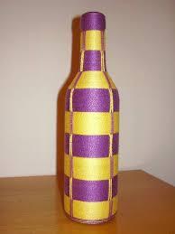 Roxo e amarelo em garrafa
