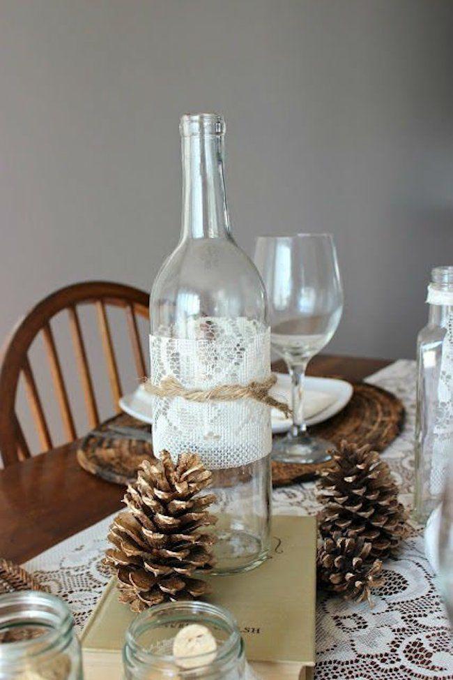 Usando garrafas com pinhas para decoração de mesa de natal