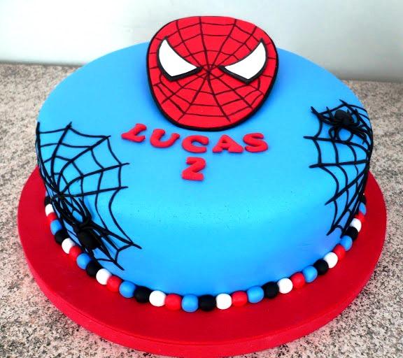 Bolo do homem aranha 60 fotos e como voc mesmo fazer bolo em azul com a mscara do homem aranha altavistaventures Image collections